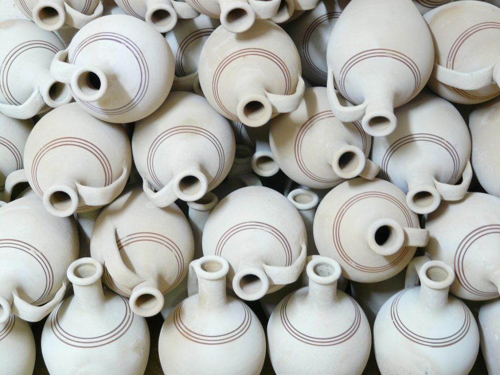 PIcture of clay pots