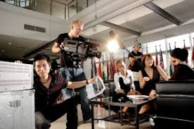 students from the university of miami school of communicatons broadcasting