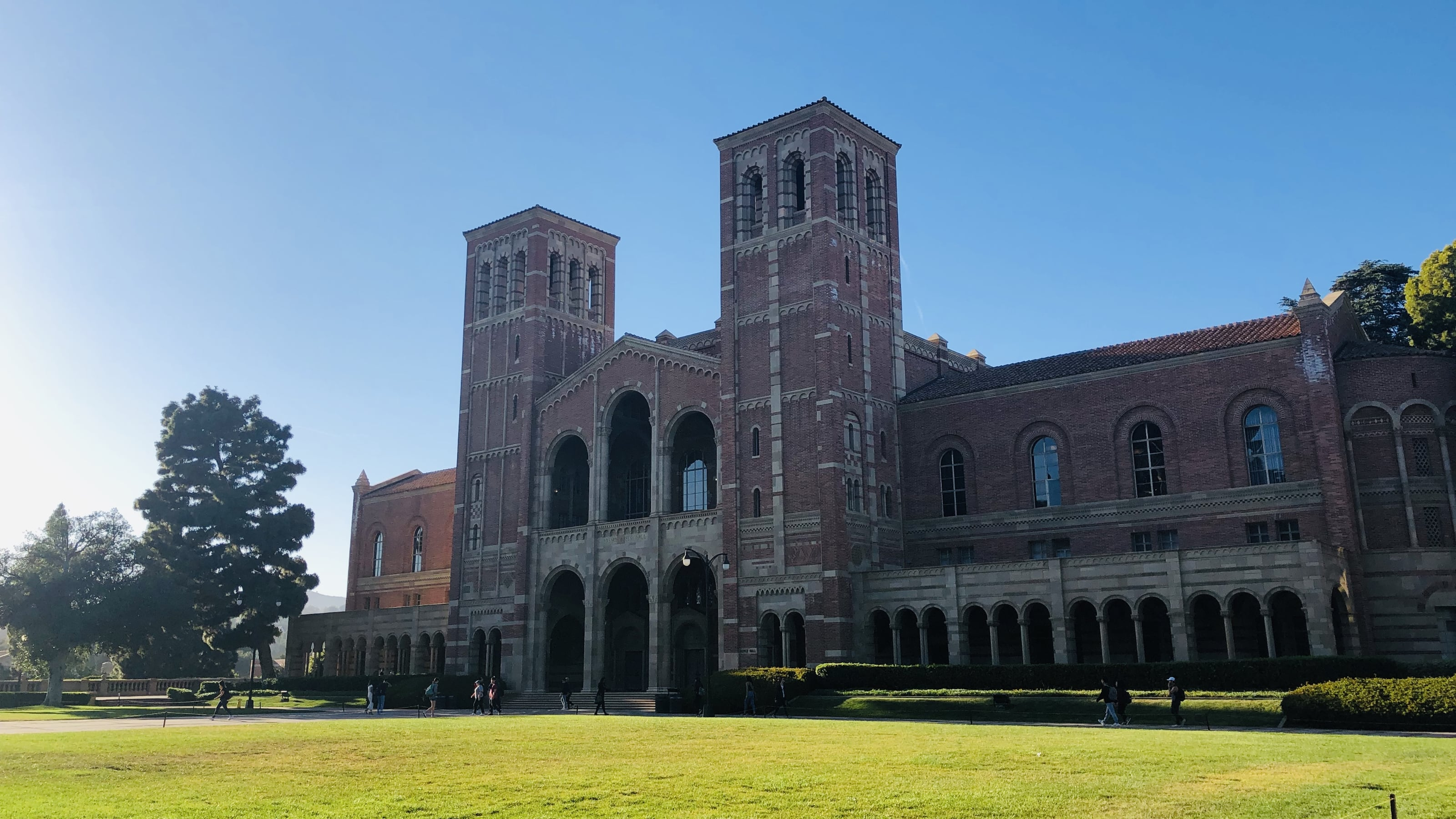 Top 10 Scholarships at UCLA