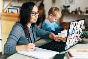 5 Ways Parents and Adult Learners Can Earn College Credit